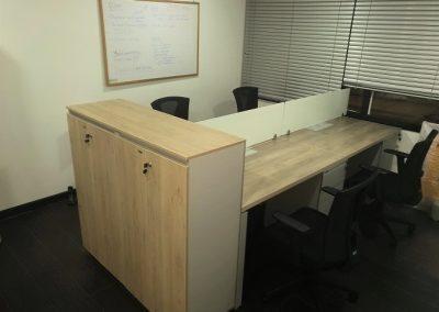 Mueble Isla de Trabajo Lineal con Almacenamiento